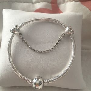 "21cm = 8.3"" Pandora Disney Moments Mickey Bracelet"